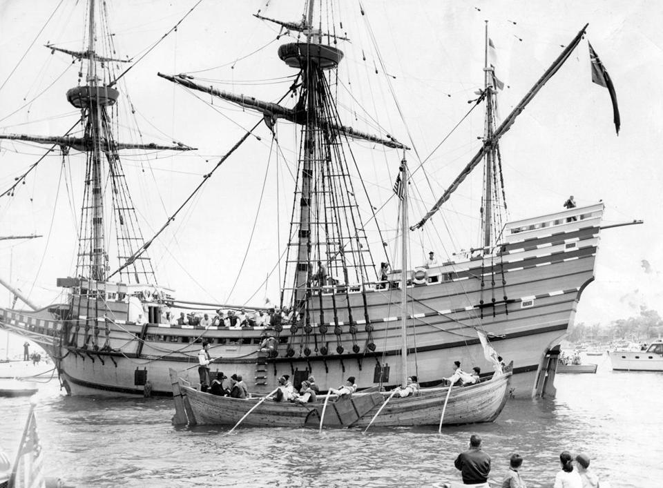Plymouth, MA - 6/29/1945: The Mayflower II, a replica of the original Pilgrim vessel, sails into Plymouth, Mass., on June 13, 1957, after a 5,000-mile and 53-day trip from England. Previously, the Pilgrims took a more direct route of 3,000 miles that lasted 66 days. (Charles F. McCormick/Globe Staff) --- BGPA Reference: 160328_EF_008